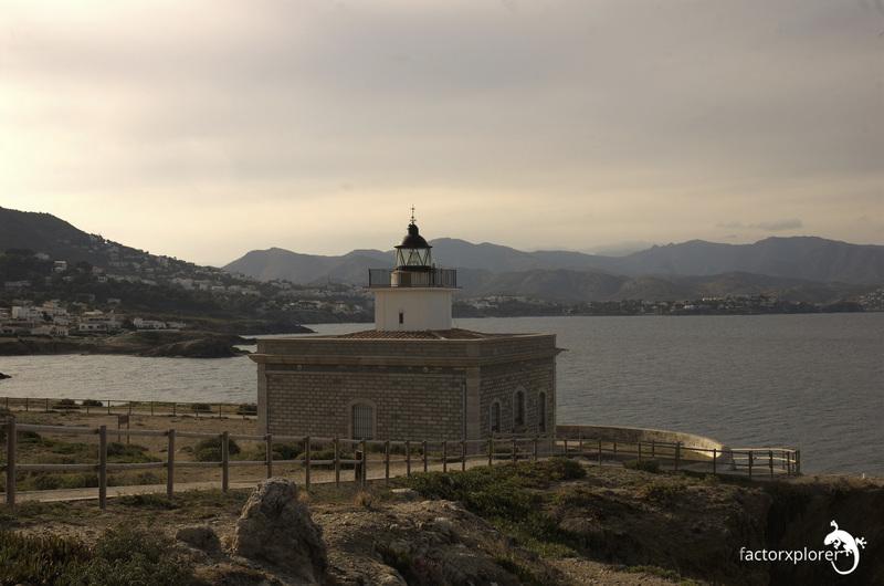 Faro s'arnella. port de la selva