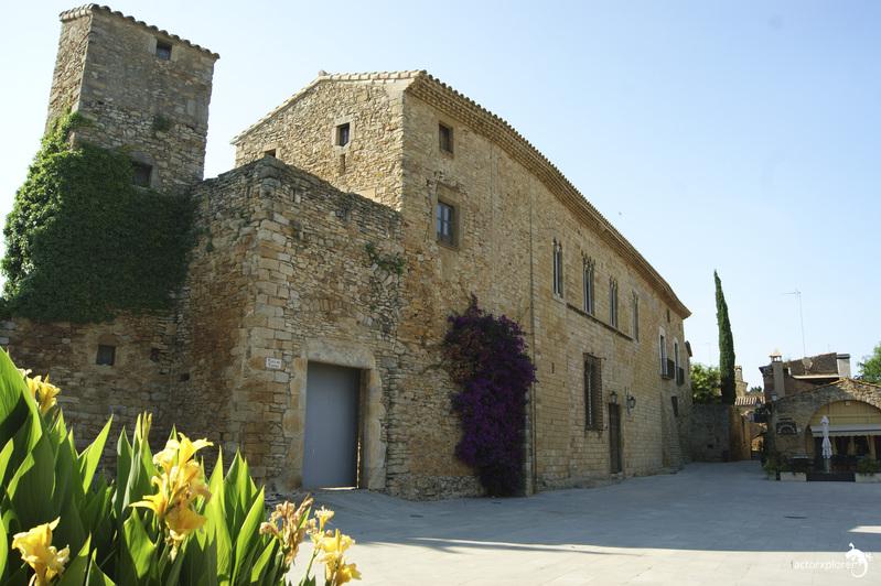 Peratallada (Girona), castillo palacio
